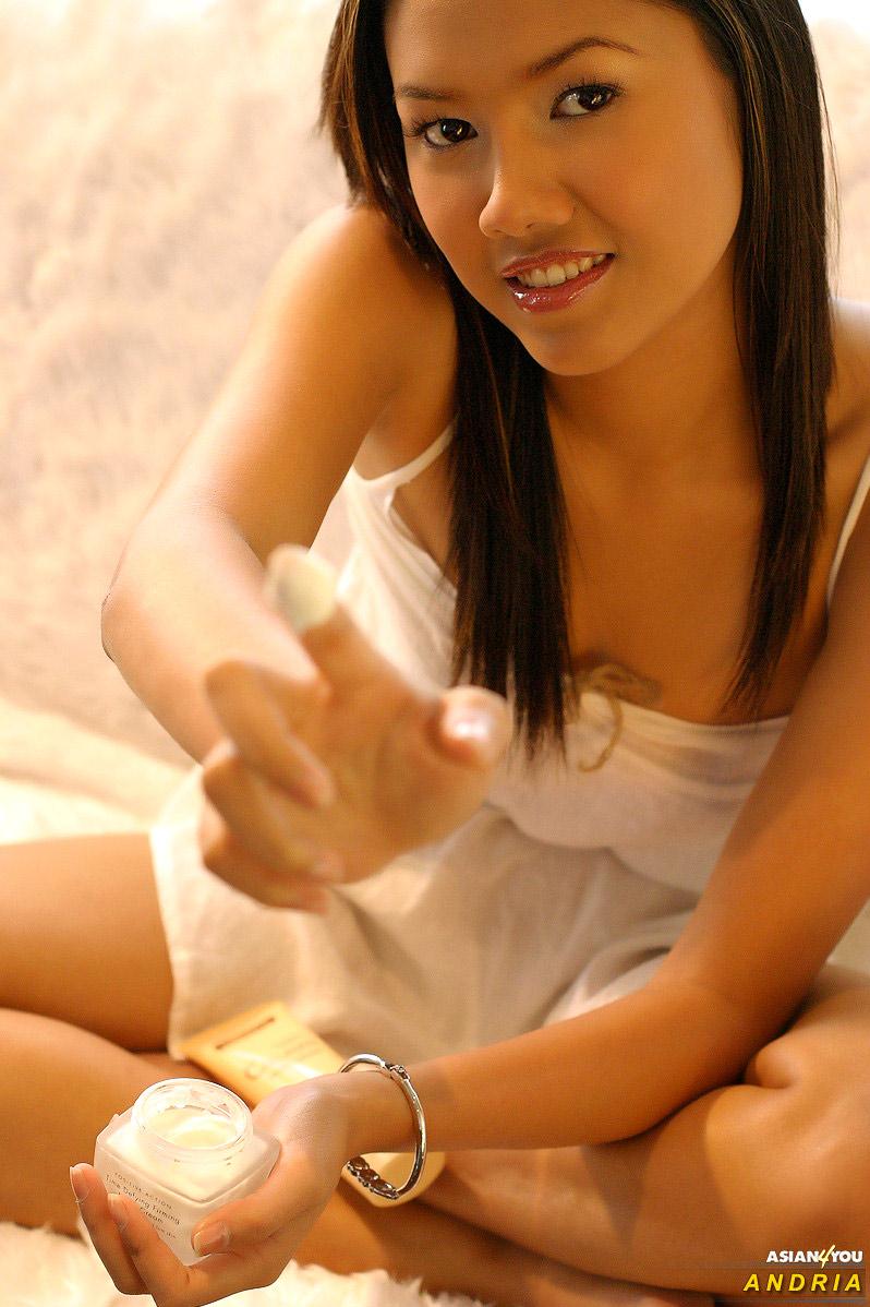 Andria Porn ugj asian porn theblackalley andria 東南アジア系の美女 sex