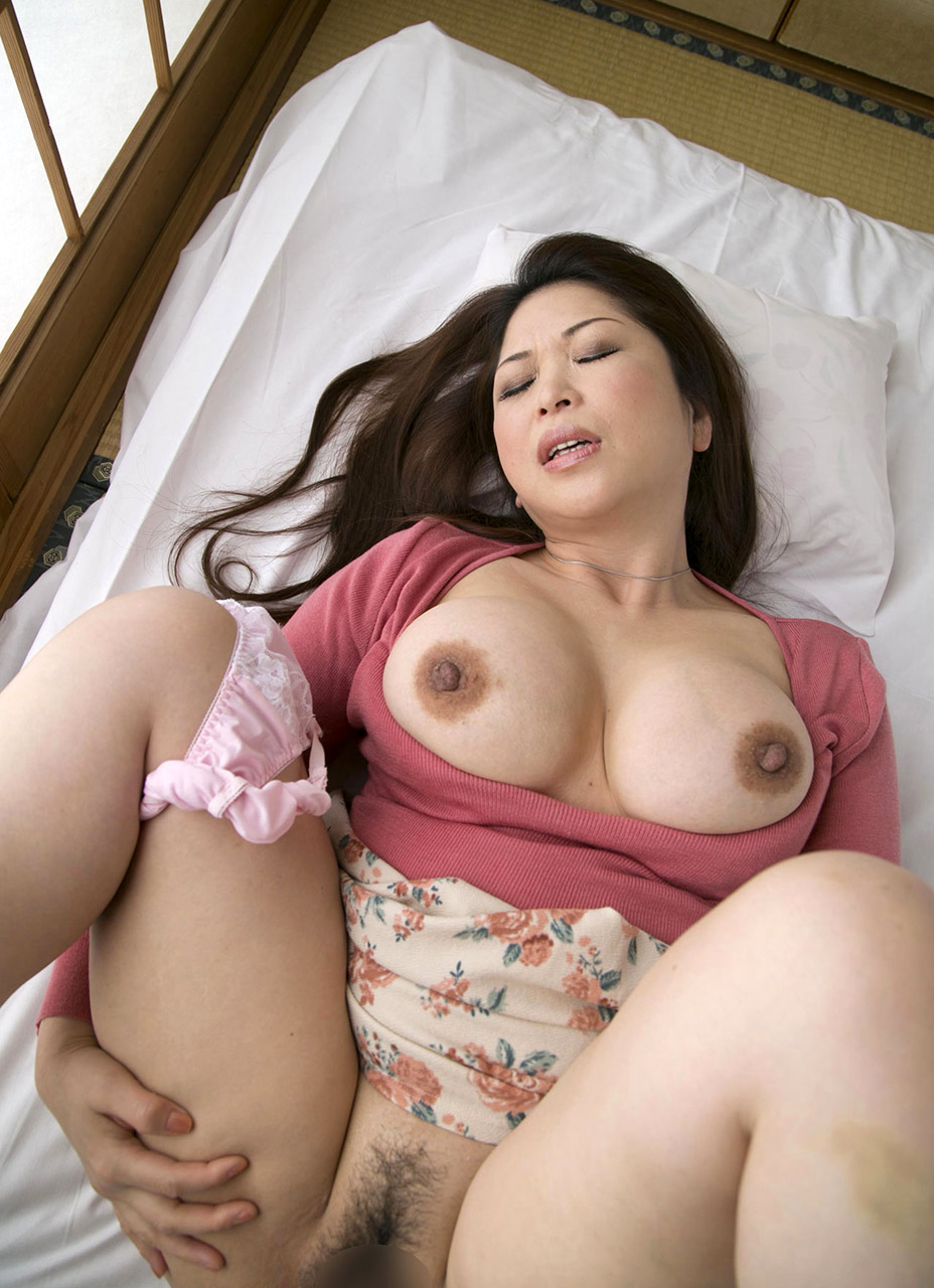 image Hairy mature yukari mizuno shows off on cam