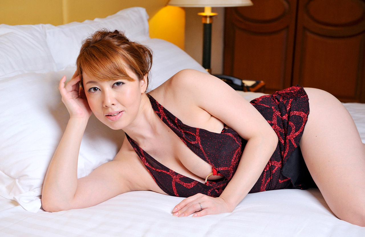 Slender brunette nude