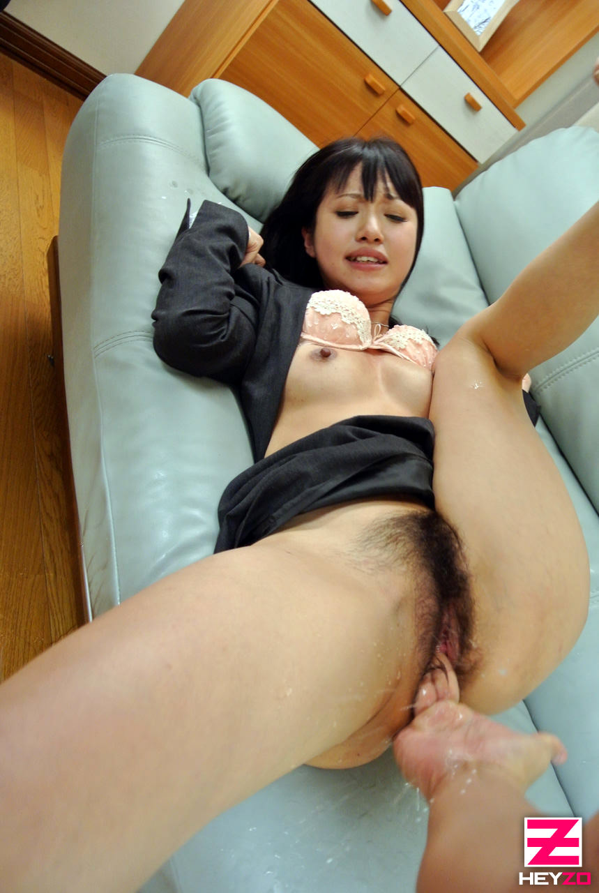 Uncensored japan porn close up of hairy asian pussy - 2 2